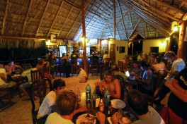 popoyo bar restaurant nightlife