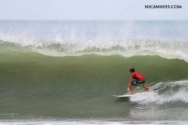 NicaWaves guest Ricky pulling into a lil slab
