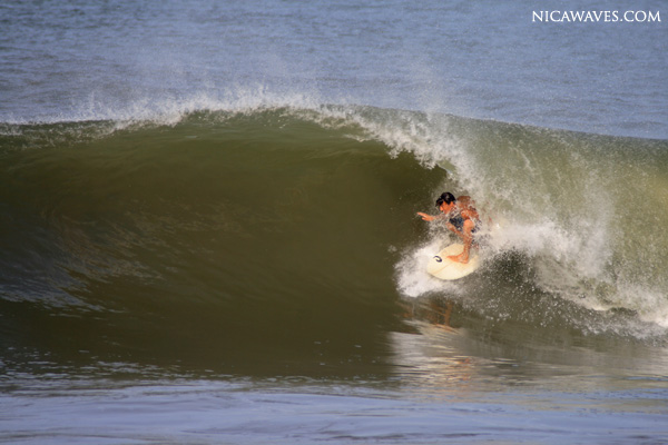 surfing in popoyo