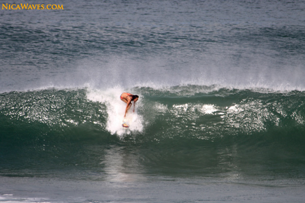 girls surfing nicaragua